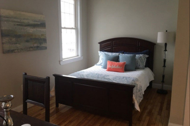 clark-on-pleasant-bed